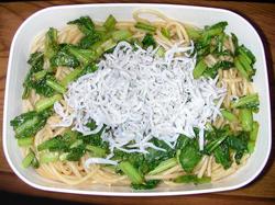 小松菜としらすの醤油パスタ